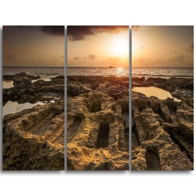 Designart Glowing Sunlight On Ancient Ruins Landscape Triptych Canvas Art Print