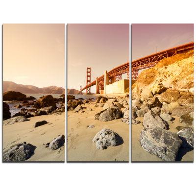 Designart Golden Gate In Bright Day Landscape Triptych Canvas Art Print