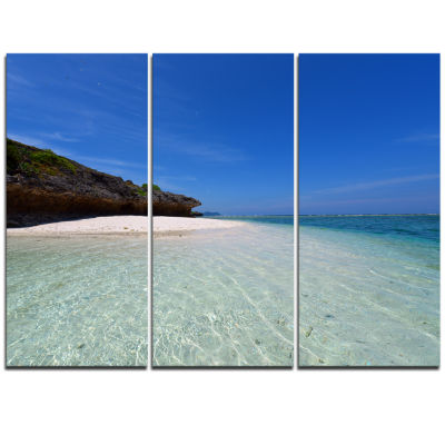 Designart Gorgeous Blue Beach During Summer ModernSeascape Triptych Canvas Artwork