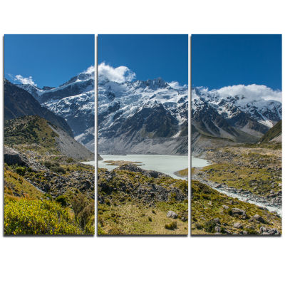 Designart Green And White Mountains New Zealand Landscape Triptych Canvas Art Print