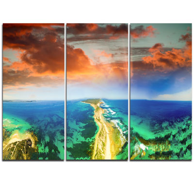 Designart Green Fort Nepean Road From HelicopterLandscape Triptych Canvas Art Print