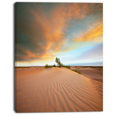 Designart Green Plants In Wide Desert African Landscape Canvas Art Print
