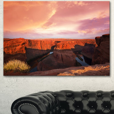 Designart Horse Shoe Bend Under Cloudy Sky Landscape Canvas Art Print - 3 Panels