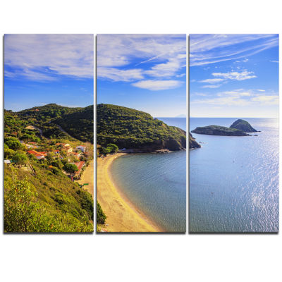 Designart Innamorata Beach And Gemini Islets ExtraLarge Seashore Triptych Canvas Art