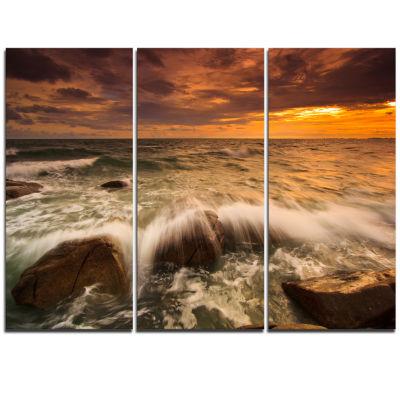 Designart Rushing Ocean Waves Into Rocks SeascapeTriptych Canvas Art Print