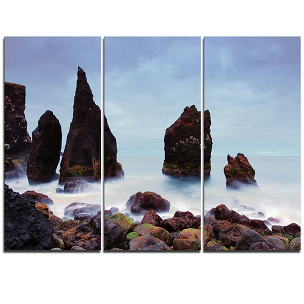 Designart Sharp Rocky Coastline Raykjanes Extra Large Seashore Triptych Canvas Art