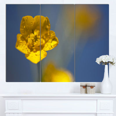 Designart Solitary Large Yellow Flower Floral Canvas Art Print - 3 Panels
