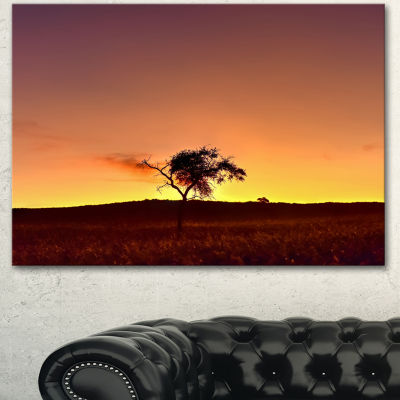 Designart Solitary Tree In Namib Desert African Landscape Canvas Art Print