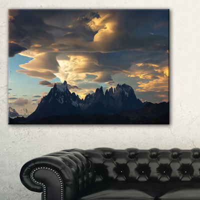 Designart Torres Del Paine National Park LandscapeArtwork Canvas