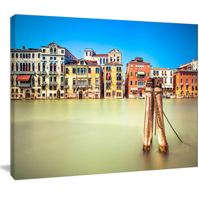 Designart Traditional Buildings Of Venice Landscape Canvas Wall Art