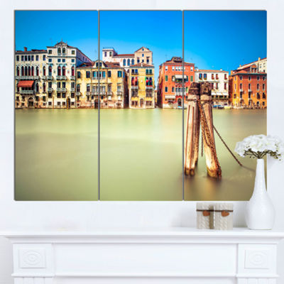 Designart Traditional Buildings Of Venice Landscape Canvas Wall Art - 3 Panels