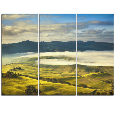Designart Tuscany Farmland And Green Fields Oversized Landscape Wall Art Print