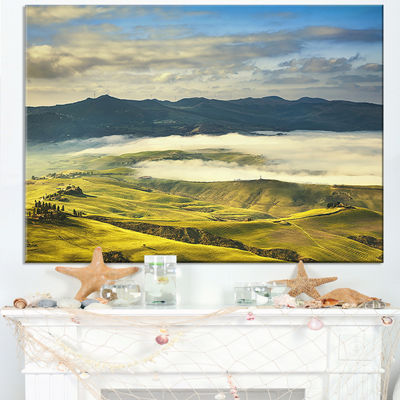 Designart Tuscany Farmland And Green Fields Canvas Art