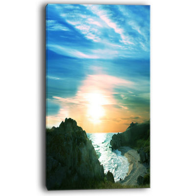 Designart White Waters Among Beach Hills Canvas Art