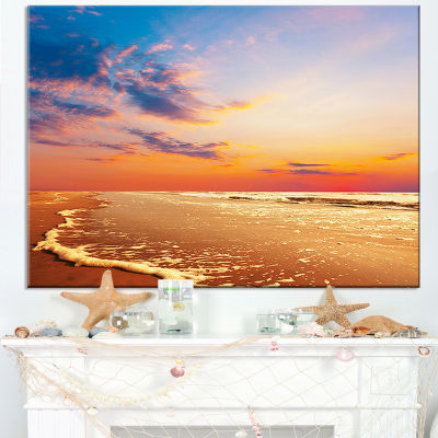 Designart Fascinating Beach With Flowing Waves Canvas Art