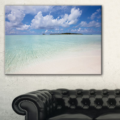 Designart Fascinating Maldives Empty Seashore Canvas Art