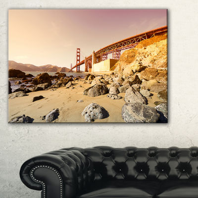 Designart Golden Gate In Bright Day Canvas Art