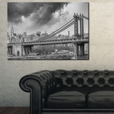 Designart Gray Manhattan Skyline Canvas Art
