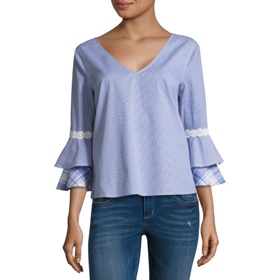 Eyeshadow 3/4 Sleeve V Neck Poplin Blouse-Juniors