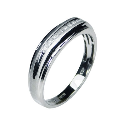 Mens 1/10 CT. T.W. Diamond 10K White Gold 9-Stone Ring