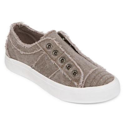 Pop Womens Remmina Closed Toe Slip-On Shoe