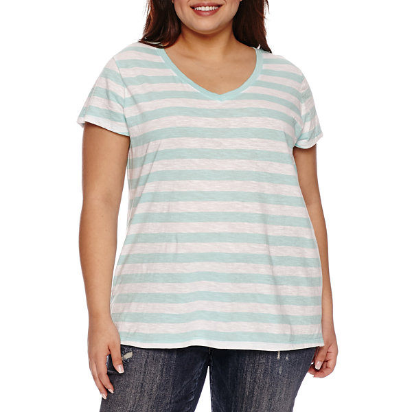 Boutique + Short Sleeve V Neck T-Shirt-Womens Plus