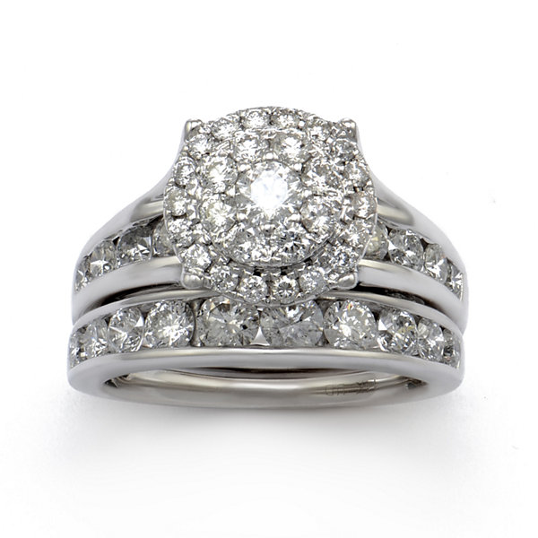 LIMITED QUANTITIES 3 CT. T.W. Diamond 14K White Gold Bridal Ring Set