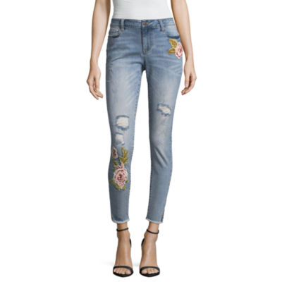 a.n.a Skinny Ankle Leg 3D Embroidered Jegging