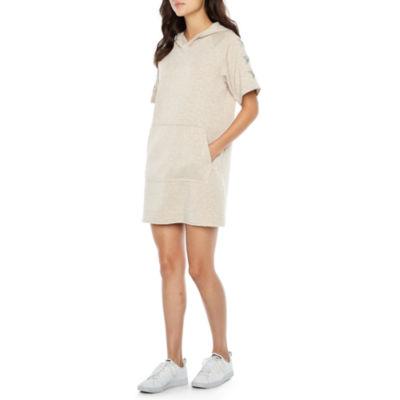 Ronni Nicole Short Sleeve Sequin Applique Shift Dress