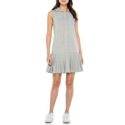 Vivi By Violet Weekend Sleeveless Shift Dress