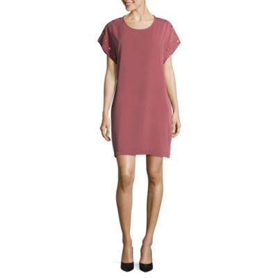 Spense Scoop Neck Snap Dress