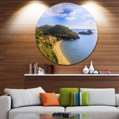 Designart Innamorata Beach and Gemini Islets ExtraLarge Seashore Metal Circle Wall Art