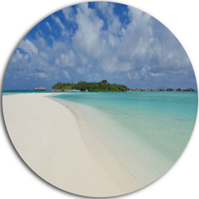 Designart Calm Seashore at Tropical Beach SeascapeMetal Artwork