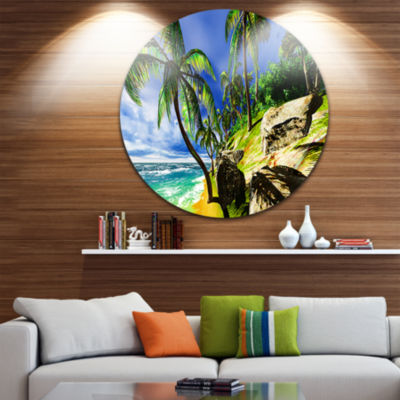 Designart Palms in Hawaii Island Beach Seascape Metal Artwork