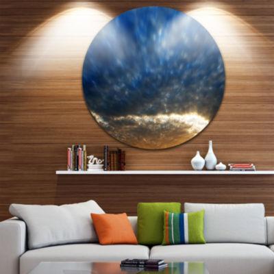 Designart Dramatic Blue and Brown Skies SeascapeMetal Artwork