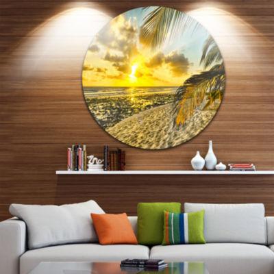 Designart White Caribbean Beach with Palms Landscape Metal Circle Wall Art