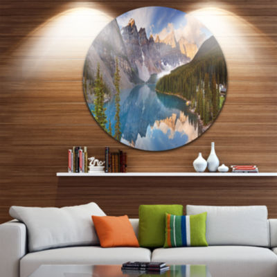 Designart Moraine Lake in Banff Park Canada Landscape Metal Circle Wall Art