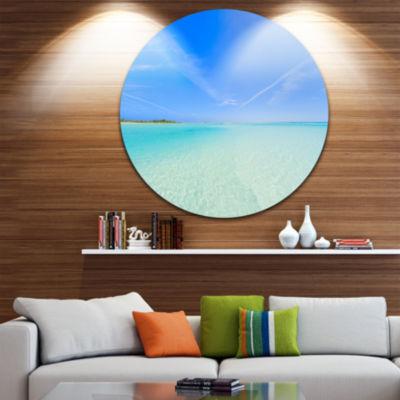 Designart Tropical Beach in Cayo Largo Island Seascape Metal Artwork