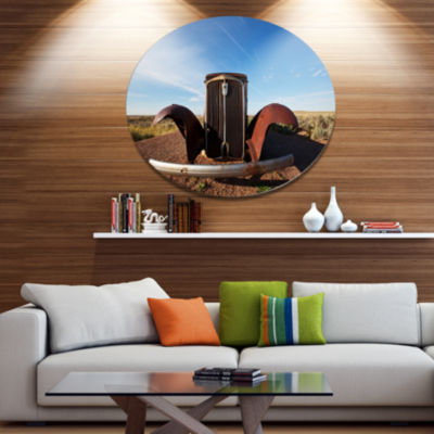 Designart Retro Car under Calm Blue Sky OversizedLandscape Metal Circle Wall Art