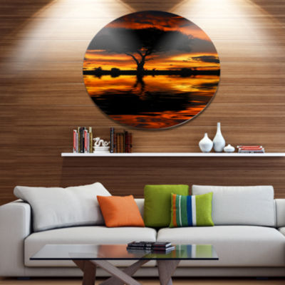 Designart Tree Silhouette and Dramatic Sunset Oversized African Landscape Metal Circle Wall Art