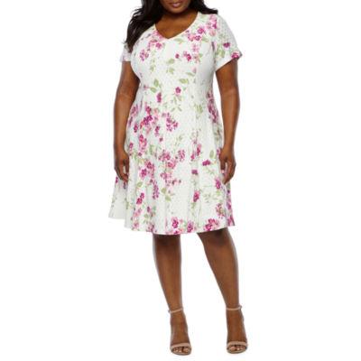 Ronni Nicole Short Sleeve Floral Eyelet Shift Dress-Plus