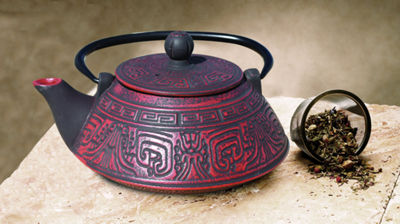 Old Dutch 26 Oz Red and Black Cast Iron Kodai Teapot