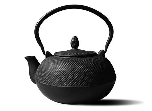 Old Dutch Matte Black Cast Iron Hakone Teapot and Wood Stove Humidifier3 Qt