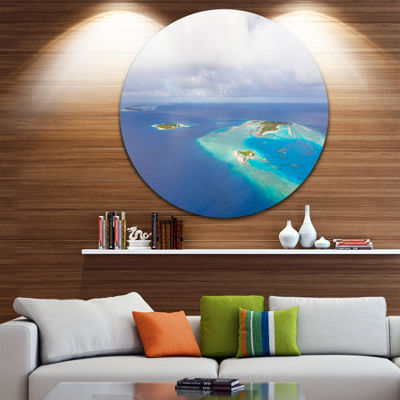 Designart Aerial View of Maldives Island SeascapeMetal Artwork