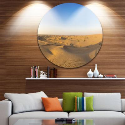 Designart Sand Dunes Desert in Dubai Landscape Metal Circle Wall Art
