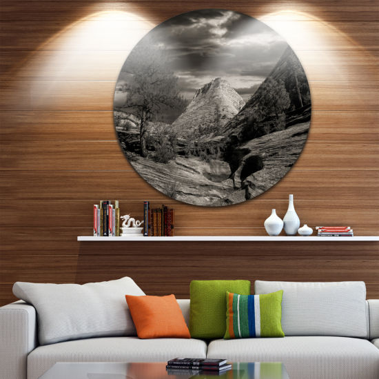 Designart Layers of Red Rock Black and White Landscape Metal Circle Wall Art