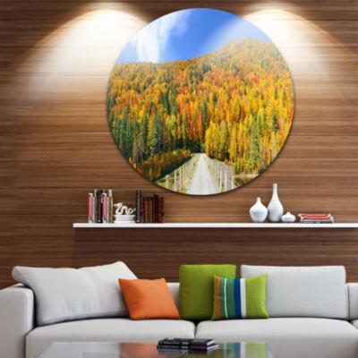 Designart Stowe Countryside View Panorama Landscape Metal Circle Wall Art