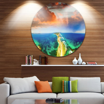 Designart Green Fort Nepean Road from HelicopterLandscape Metal Circle Wall Art
