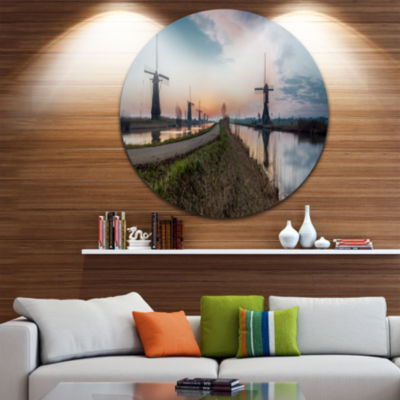Designart Kinderijk Holland Panorama Landscape Metal Circle Wall Art