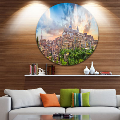 Designart Historic City of Siena Panoramic View Landscape Metal Circle Wall Art